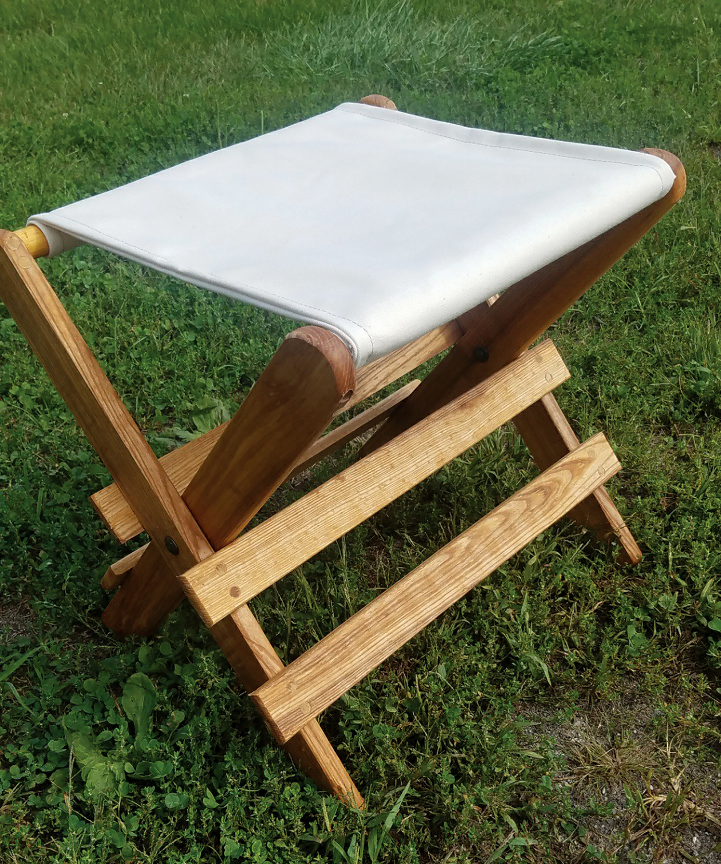 Van S Chairs For Reenactment