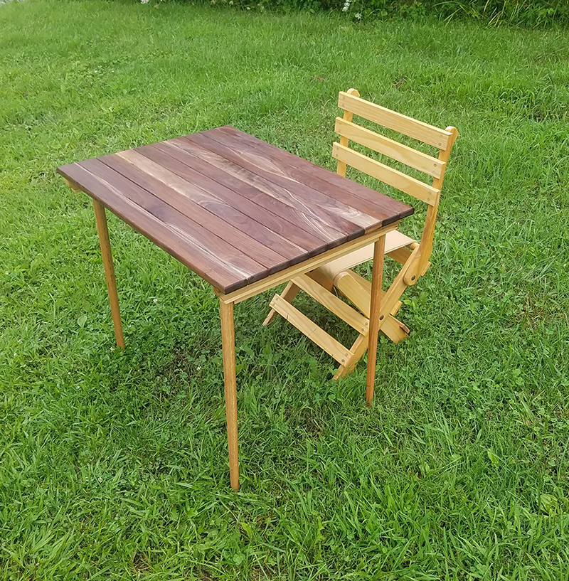 folding clipper style wooden table image